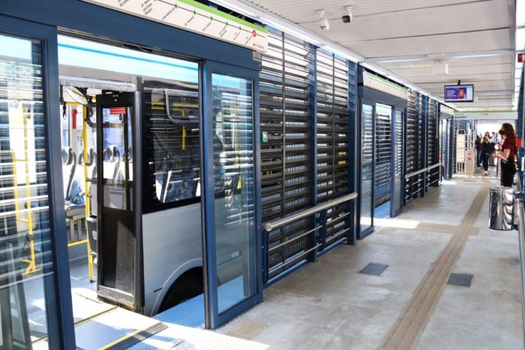 Placas solares nos BRTS de Sorocaba também fazem parte da série de ações de sustentabilidade por parte do município.