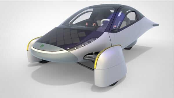 Carro elétrico movido a energia solar foi projetado dessa forma para ter um baixo coeficiente de arrasto.