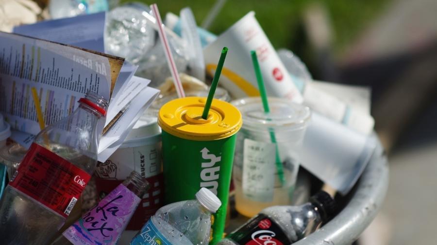 canudo plastico lixo poluicao