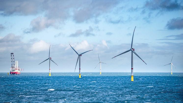 Podemos esperar a contínua evolução da potência e do design das turbinas eólicas no futuro. (Reprodução/GettyImages)