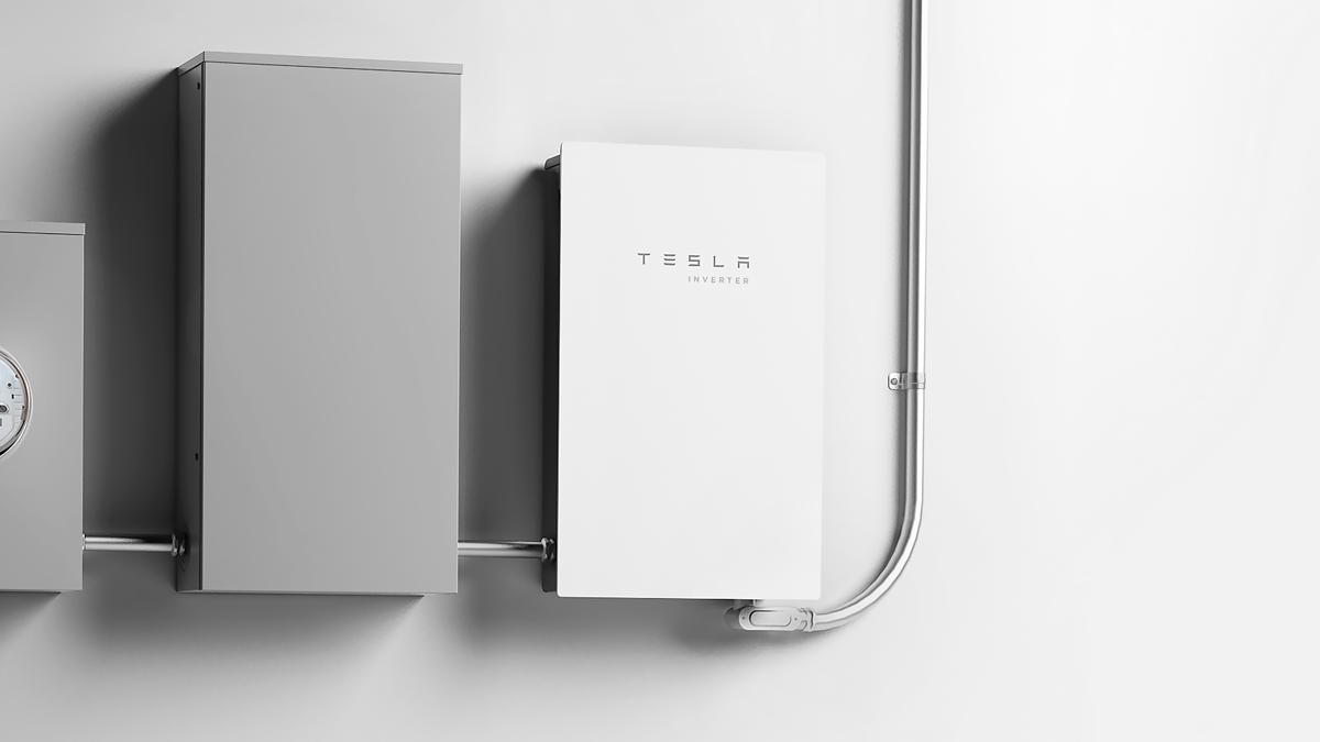 Tesla Cria Próprio Modelo de Inversor Solar para Residências
