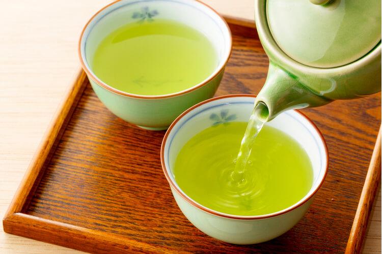 chá de cebolinha