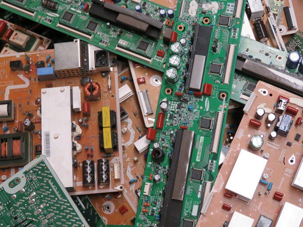 lixo eletronico reciclado