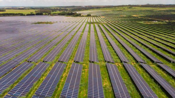Além das fontes renováveis já conhecias, como a energia solar e a eólica; há ainda novas vertentes que prometem ampliar as possibilidades de energia limpa no país